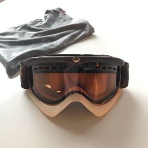 DRAGON snowboarding goggles
